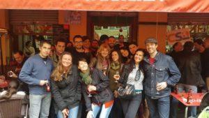 Couchsurfing - Encuentro entre locales y viajeros en Sevilla - Viernes en Triana