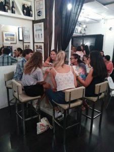 Intercambio de Idiomas White Bar para hablar Inglés, Español, Francés, Alemán, Italiano...