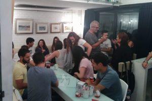 Intercambio de Idiomas en White Bar para hablar Inglés, Español, Francés, Alemán, Italiano