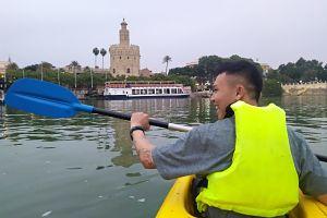 Kayak en el río Guadalquivir