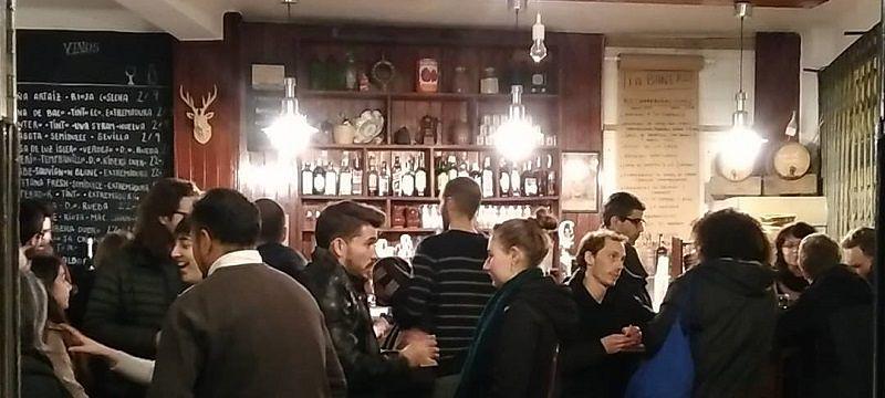 Sevilla Intercambio - Intercambio de Idiomas en Sevilla - Taberna La Bañera