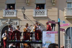 Carnaval de cadiz chirigota en la calle