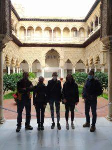 Qué lugares conocerás durante la Visita Guiada en el Alcázar? Patio de las Doncellas en el Palacio de Pedro I